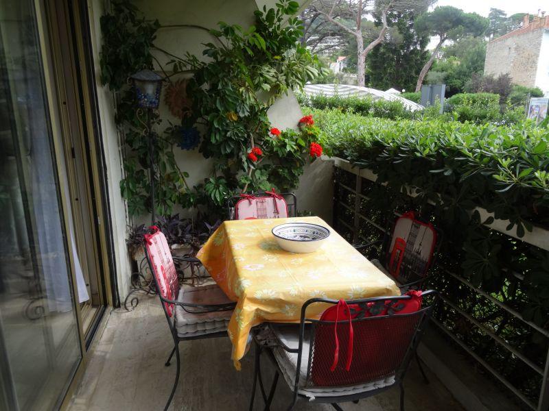 Vue du balcon Location Appartement 39310 Cannes