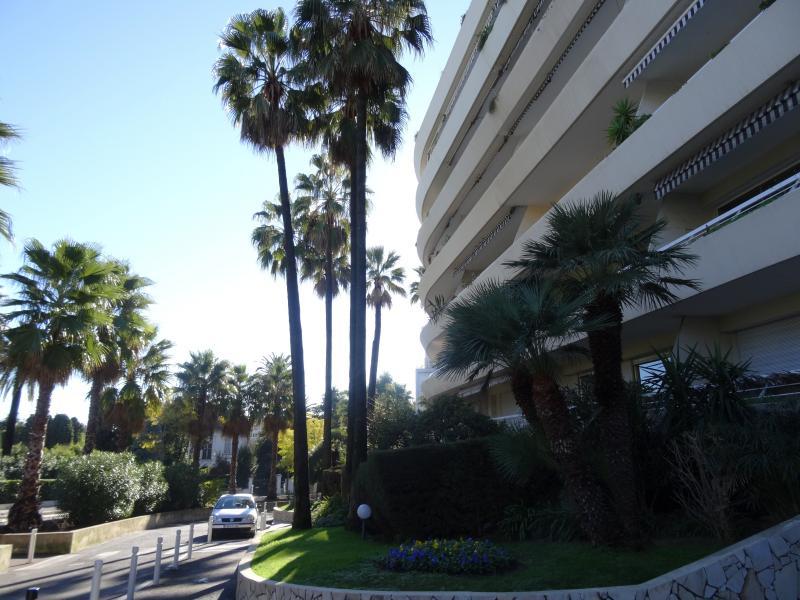 Vue extérieure de la location Location Appartement 39310 Cannes