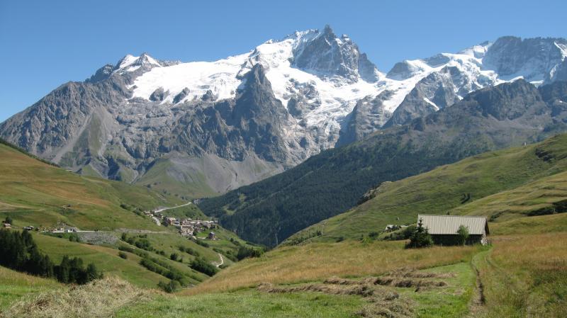 Vue à proximité Location Appartement 39406 La Grave - La Meije