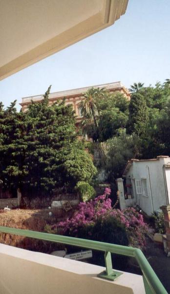 Vue de la terrasse Location Appartement 40390 Nice