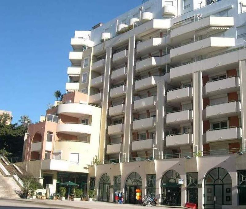Vue extérieure de la location Location Appartement 40390 Nice