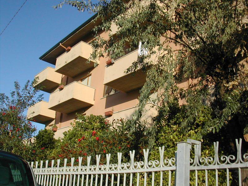 Vue extérieure de la location Location Appartement 40527 Rimini