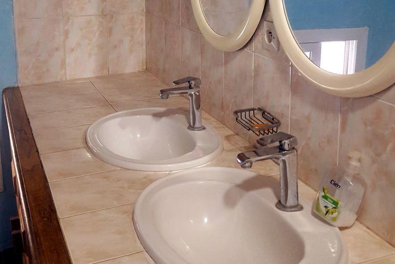 salle de bain 2 Location Villa 40814 Saly
