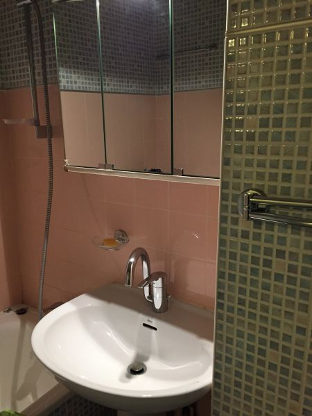 salle de bain Location Studio 4305 La Mongie