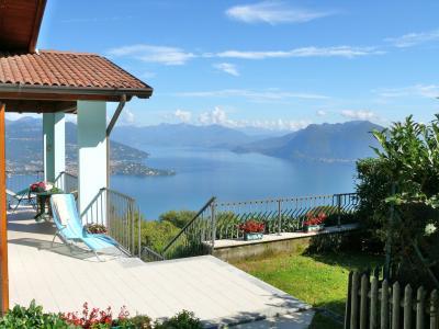 Vue extérieure de la location Location Villa 44120 Stresa