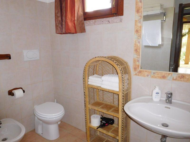 salle de bain Location Appartement 45136 Alghero