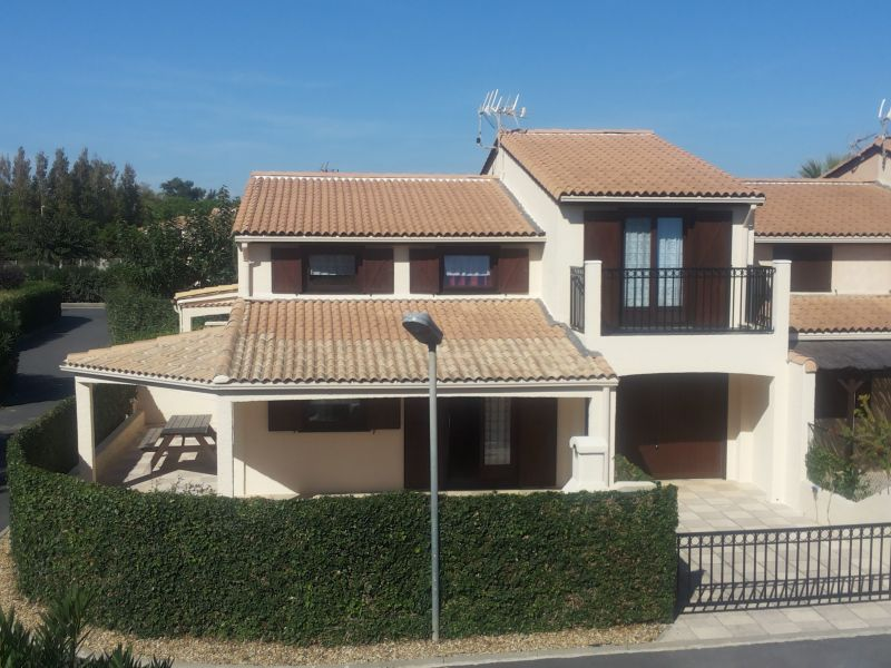 Vue extérieure de la location Location Bungalow 46464 Cap d'Agde