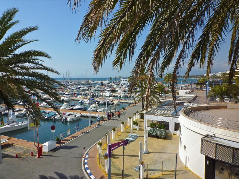 Vue du balcon Location Appartement 47714 Marbella