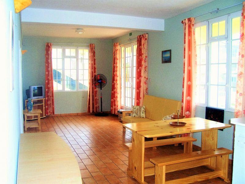Salon Location Appartement 48721 Pointe Aux Piments