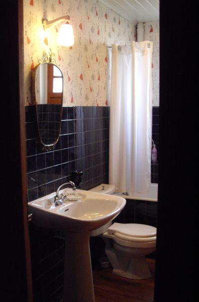 salle de bain Location Maison 4881 Bernex