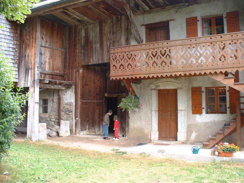 Entrée Location Maison 4881 Bernex