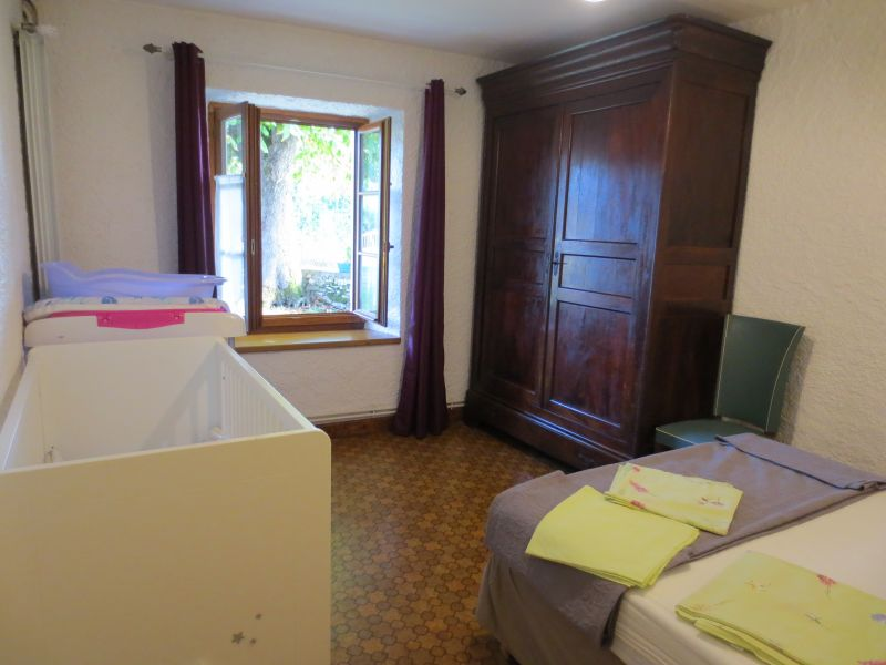 chambre 2 Location Gite 51135 Saint-Cirq-Lapopie