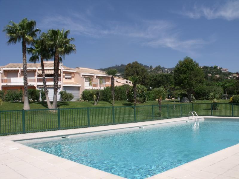 Piscine Location Appartement 51200 Mandelieu la Napoule