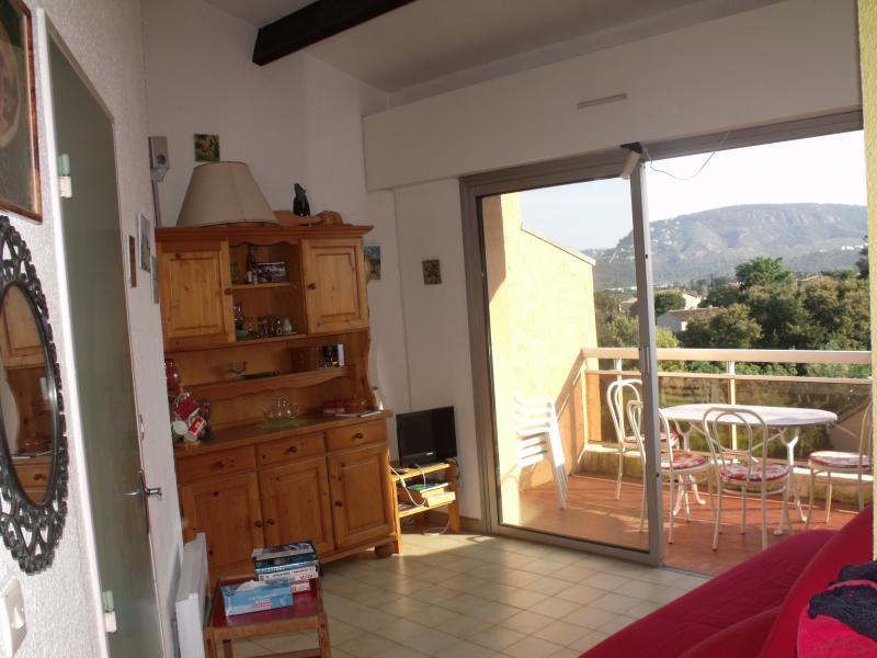 Salon Location Appartement 51200 Mandelieu la Napoule