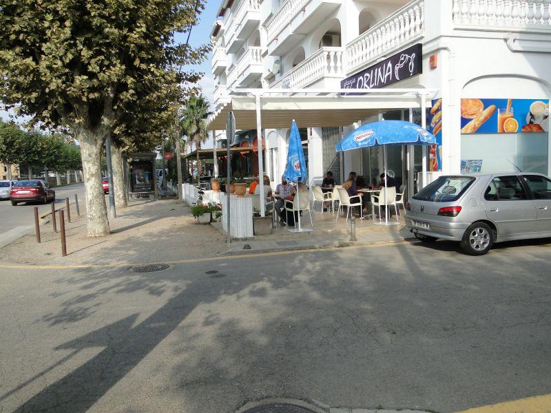 Vue extérieure de la location Location Appartement 52193 Empuriabrava