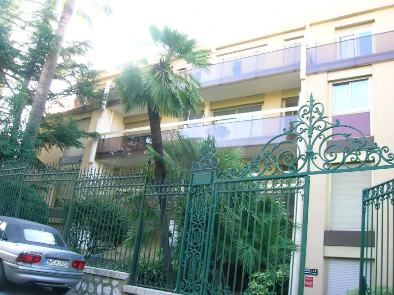 Vue extérieure de la location Location Appartement 52742 Nice
