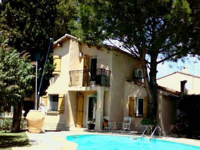 Vue extérieure de la location Location Appartement 52909 Aix en Provence