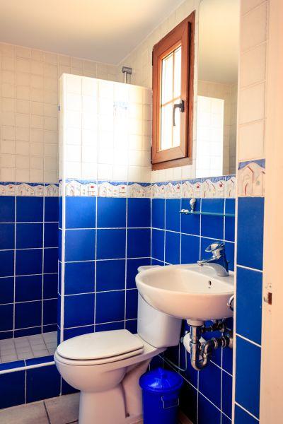 Salle d'eau 2 Location Villa 53410 Empuriabrava