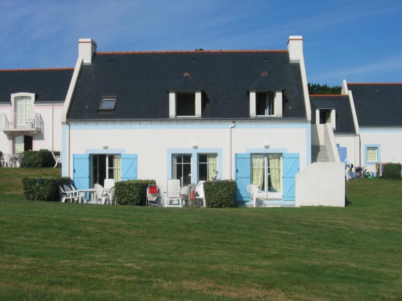 Vue extérieure de la location Location Maison 53453 Locmaria