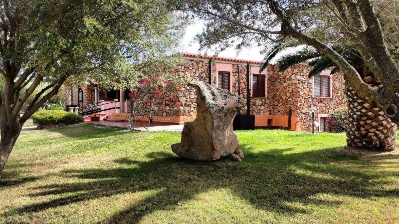 Vue extérieure de la location Location Appartement 53727 Porto Rotondo
