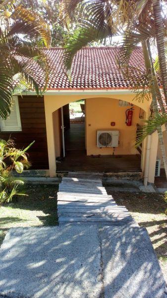 Entrée Location Studio 54186 Sainte Anne (Martinique)