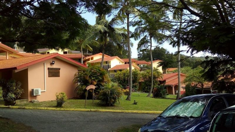 Vue extérieure de la location Location Studio 54186 Sainte Anne (Martinique)