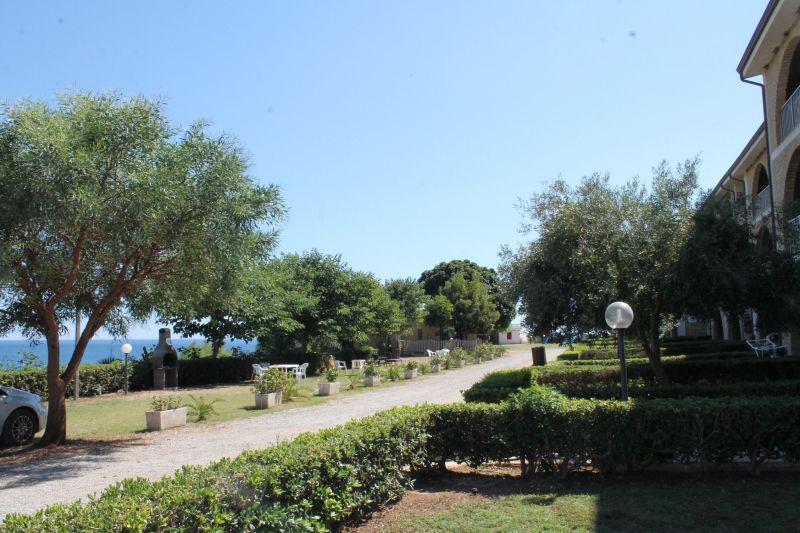 Cuisine d'été Location Appartement 54877 Isola di Capo Rizzuto