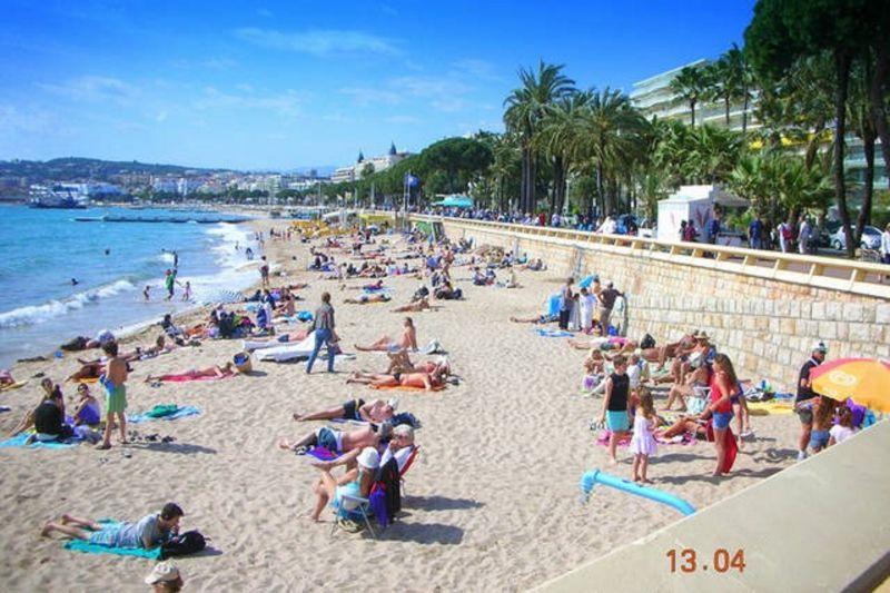 Vue à proximité Location Appartement 5501 Cannes