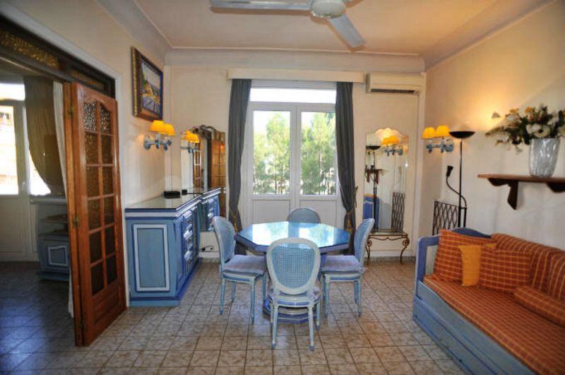 Salle à manger Location Appartement 5501 Cannes