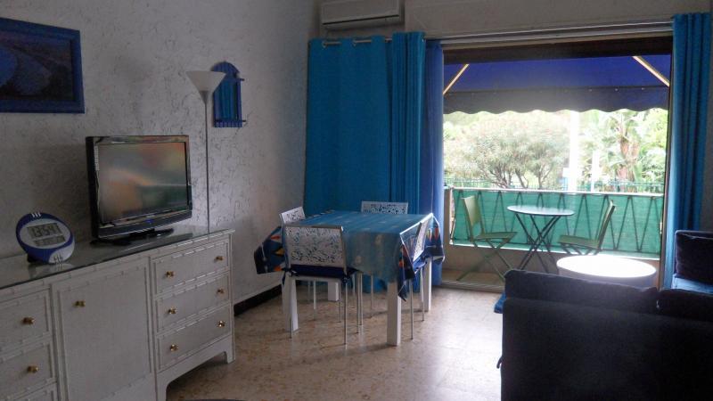 Salle à manger Location Appartement 5542 Cannes