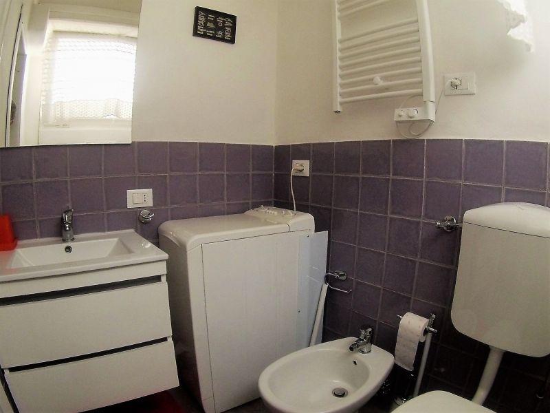 salle de bain 2 Location Appartement 55968 Lerici