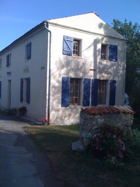 Vue extérieure de la location Location Chambre d'hôte 56831 Châtelaillon plage
