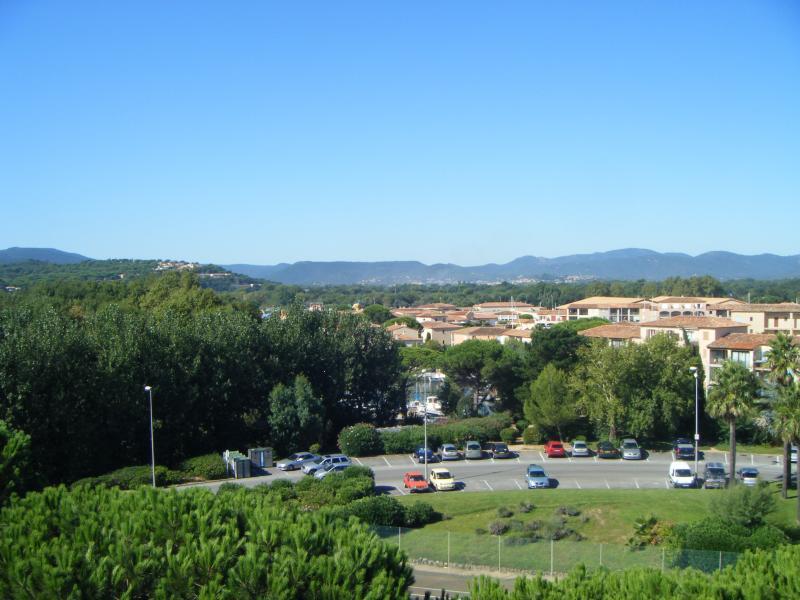 Parking Location Appartement 5689 Saint Tropez