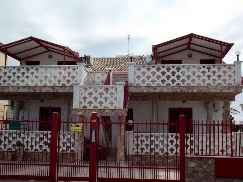 Vue extérieure de la location Location Appartement 57177 Ischitella