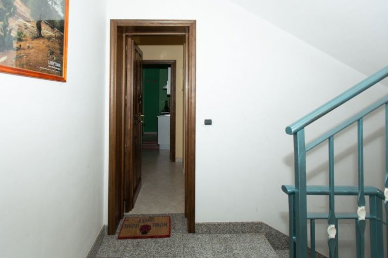 Entrée Location Appartement 57459 Avola