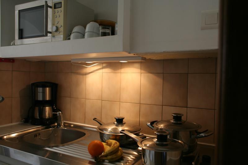 Coin cuisine Location Studio 5771 Hyères