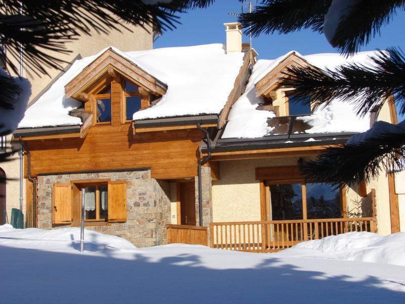 Vue extérieure de la location Location Chalet 57805 Montgenevre