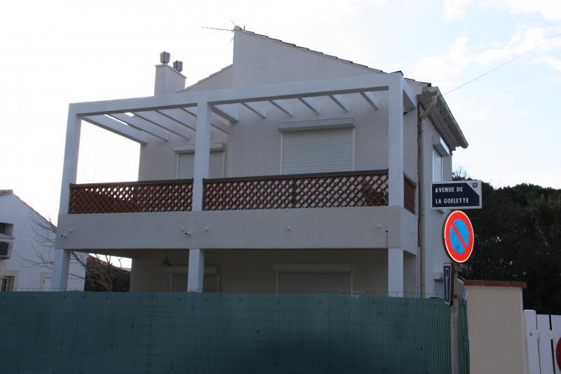 Vue extérieure de la location Location Appartement 5818 Hyères