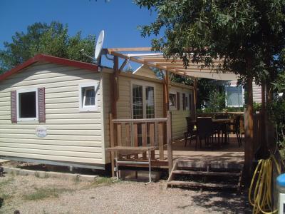 Vue ext�rieure de la location Location Mobil-home 58302 Saint Aygulf