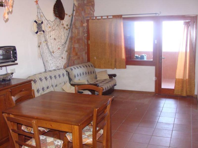 Salon Location Appartement 58656 Trinità d'Agultu e Vignola