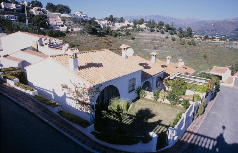 Vue extérieure de la location Location Maison 59294 Almuñecar