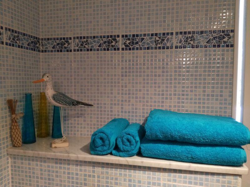 salle de bain Location Appartement 5939 La Ciotat