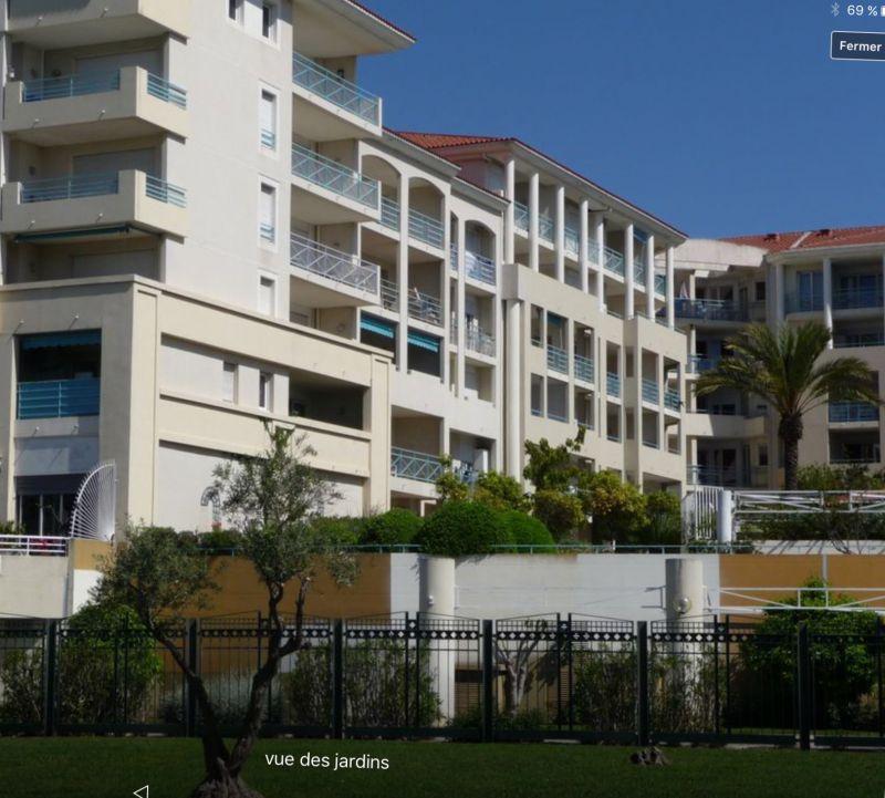 Vue extérieure de la location Location Appartement 59593 Juan les Pins