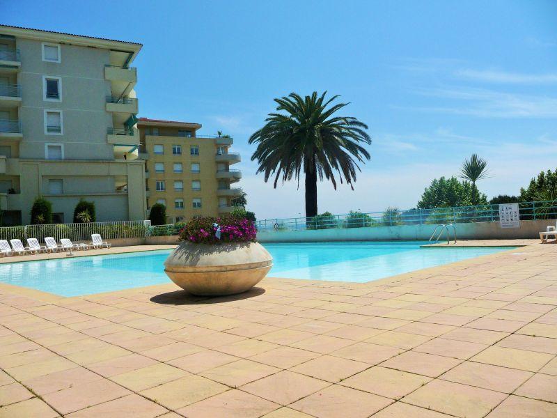 Piscine Location Appartement 59593 Juan les Pins