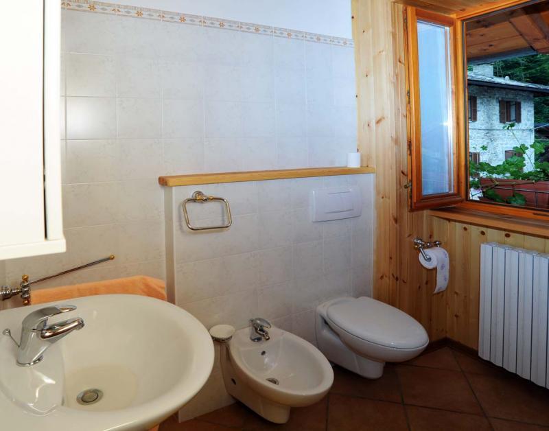 salle de bain Location Appartement 59884 Rimasco
