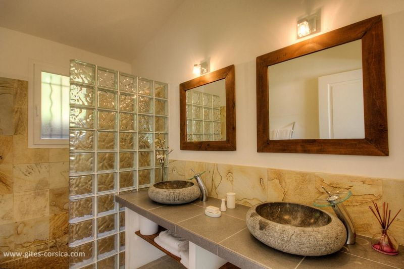 Salle d'eau 1 Location Villa 59939 Porto Vecchio