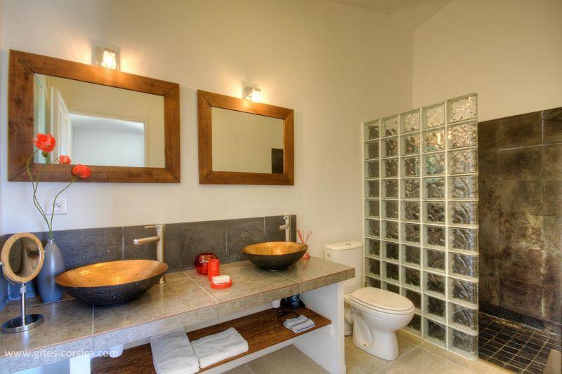 Salle d'eau 2 Location Villa 59939 Porto Vecchio