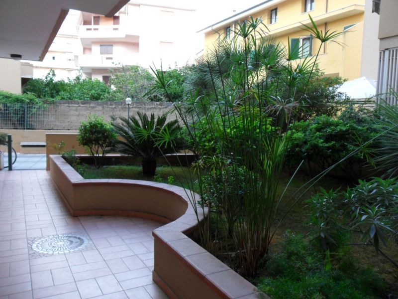 Vue extérieure de la location Location Appartement 60593 Alghero
