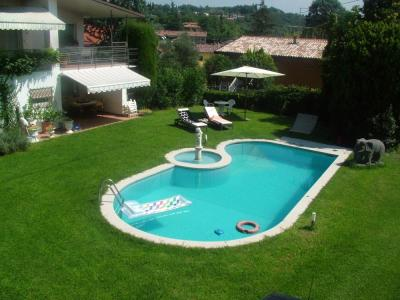 Piscine Location Villa 61113 Garda