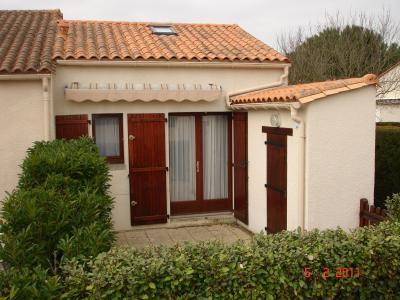 Vue ext�rieure de la location Location Villa 61196 La Palmyre